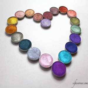 Cant get enough of the makeupgeekcosmetics Foiled eyeshadows! Beautiful pigmentedhellip